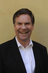 Jon Morten Melhus holder kickoff foredrag (Foto: Knut Bry)