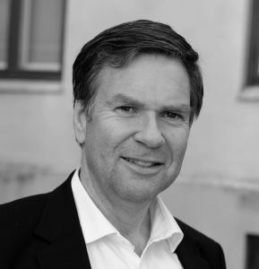 Jon Morten Melhus har holdt nærmere 100 foredrag for skoler, lærere og skoleledere.